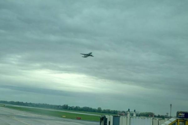 01. Flughafen